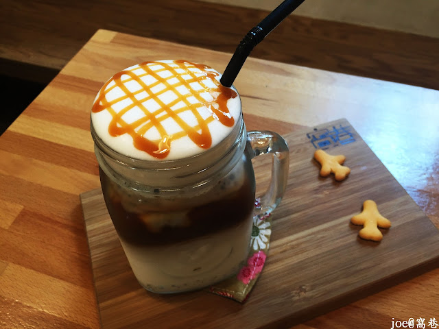 IMG 8708 - 【台中美食】窩巷 hidden lane 隱藏在巷弄間的甜點店 |咖啡 | 甜點|巷弄美食|蛋糕|藍梅塔|台中甜點店|老屋甜點|下午茶|