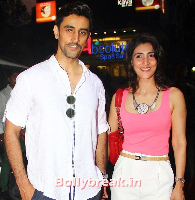 Kunal Kapoor along with his sister, Payal Rohatagi, Ragini Khanna at DVAR Luxury Store Launch