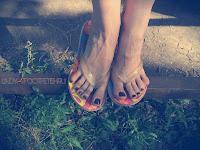 женские пальчики ног, женские ножки крупно