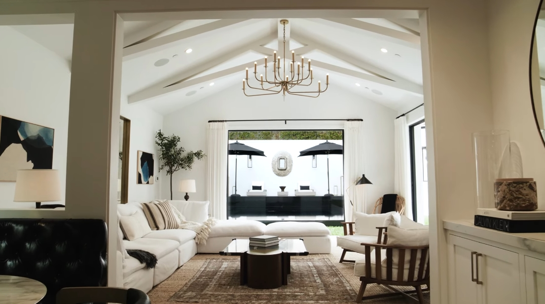 16 Interior Design Photos vs. 9531 Heather Rd, Beverly Hills, CA Luxury Home Tour