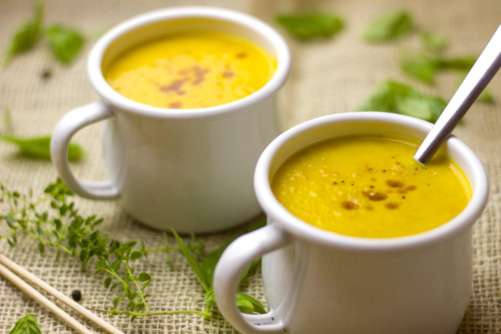 Fruchtige Kürbis Mango Suppe