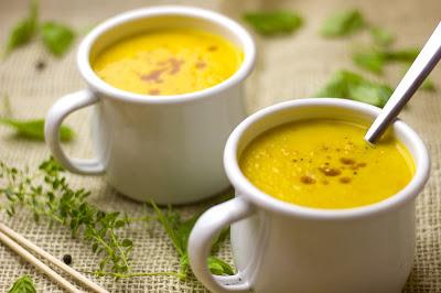 Fruchtige Kürbis-Mango-Suppe