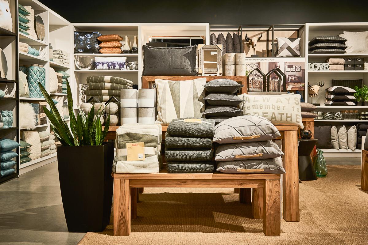 Bouclair home decor store