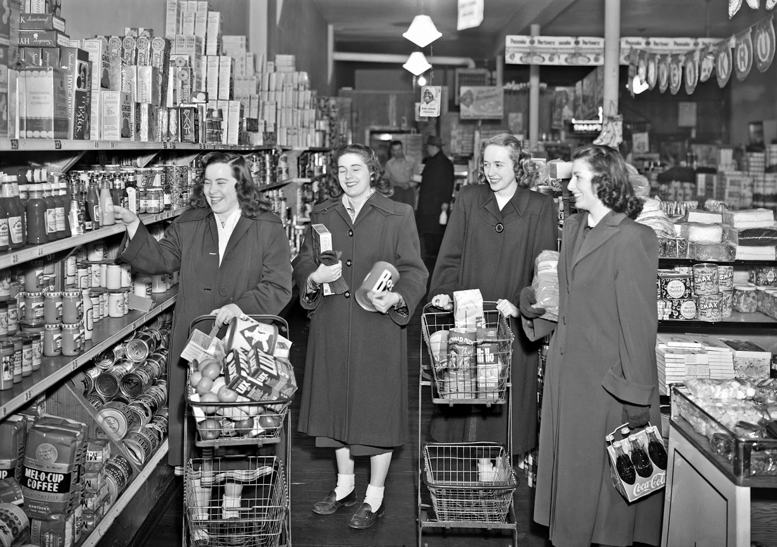 retro retail stores history in photos lafayette studio 1948