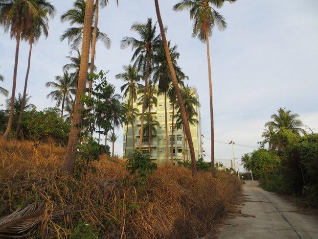 Высокое здание на Самуи