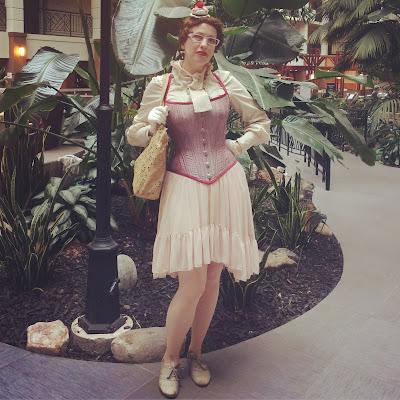 Gail Carriger Plays Ballet At Steampunk Worlds Fair