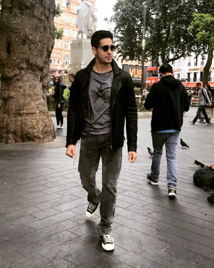 Rakul Preet Singh Joins Sidharth Malhotra for 'Aiyaary' In London