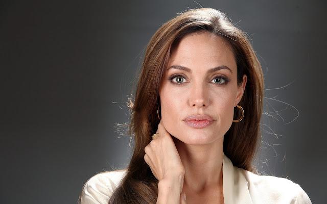 Biografi dan Foto Angelina Jolie