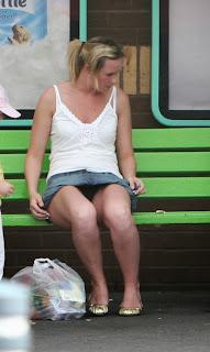 rubias-ricas-piernas-minifalda
