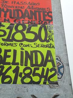 propaganda en señalamientos viales de igual forma que el graffiti