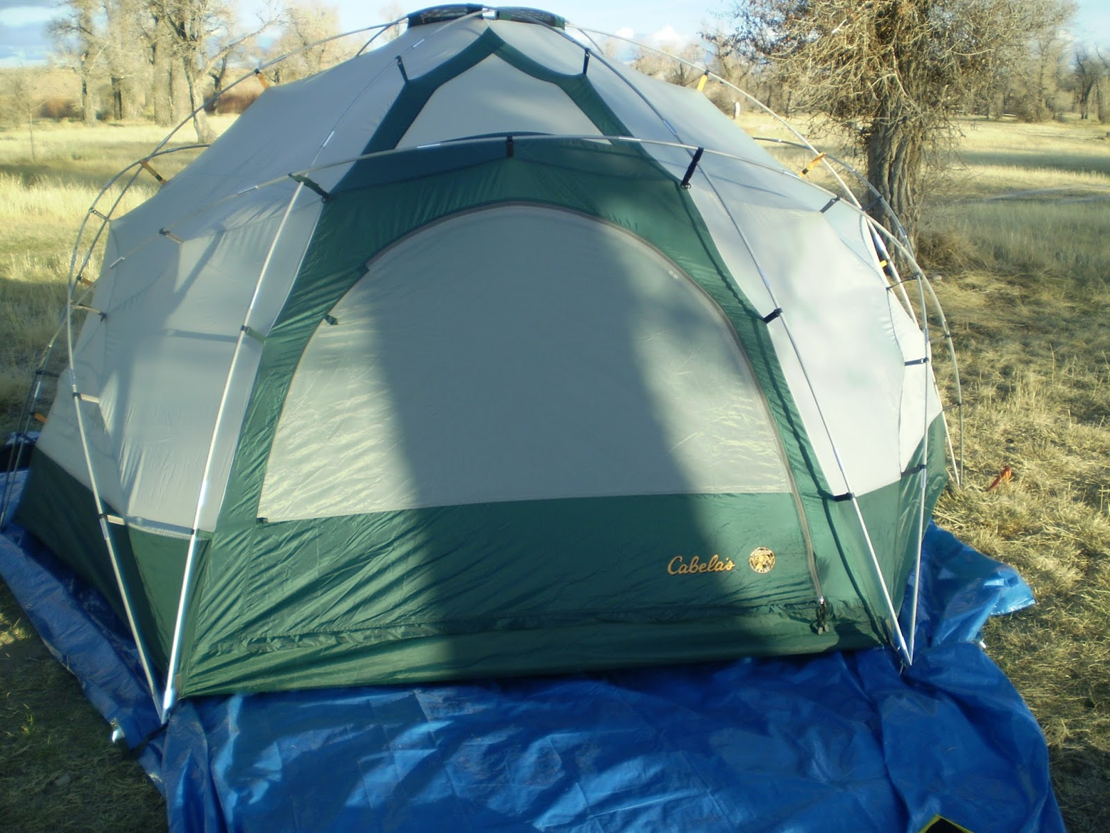 Vestibule Having the tarp big enough for the vestibule makes it so you can take your wading boots off on the tarp under the protection of the vestibule. & Fly Fishing the West with Howard: Alaskan Guide Model Tent Review ...