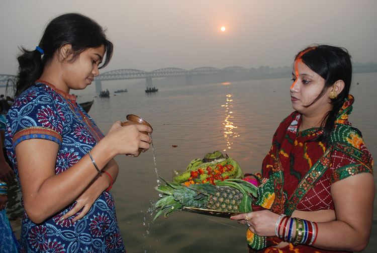 Varanasi View: Chhath celebrated in Varanasi with traditional gaiety