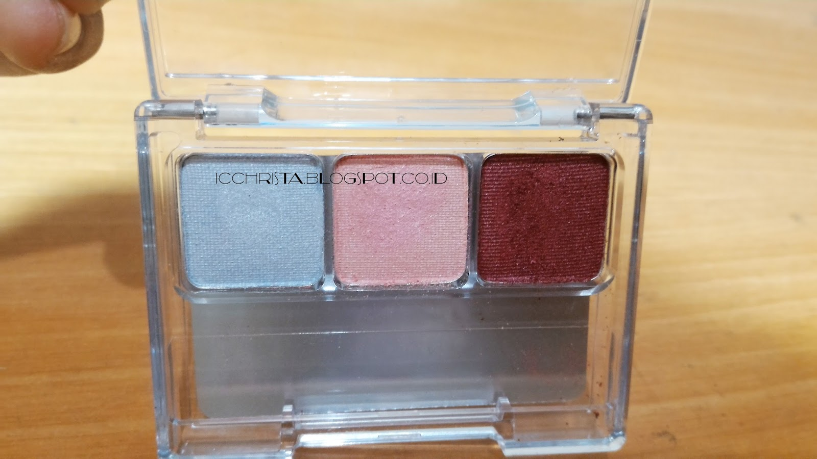Wardah Eye Shadow Palette L Series Review - Christa's Blog