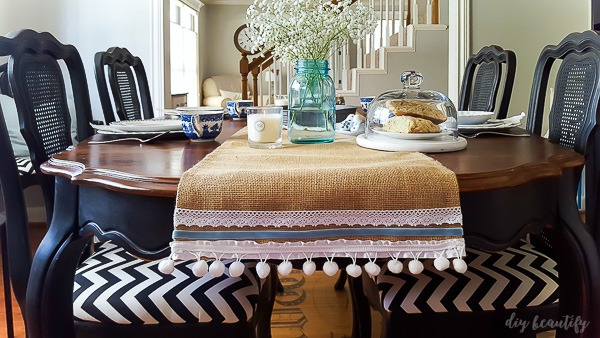 Easy no-sew burlap table runner