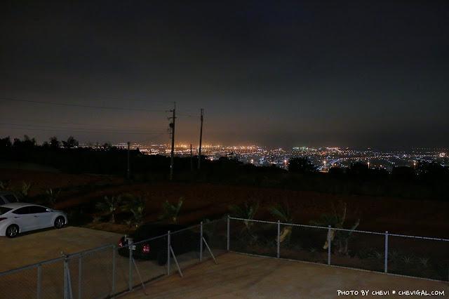 IMG 9906 - 台中清水│嗨咖泡腳夜色*天冷就是要邊看夜景邊泡腳!超隱密180度超廣角夜景原來就在這!