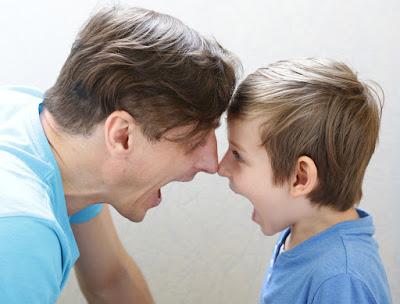 Вчені пояснили, чому дітей потрібно вчити матюкам