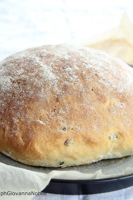 Pane di kamut con semi di zucca e di girasole