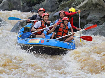 Rafting on the Progo river