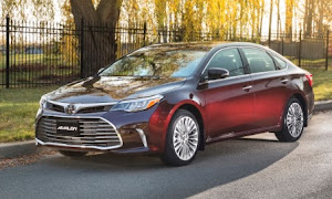 2020 Toyota Avalon: Looks weird, but it's better across the board