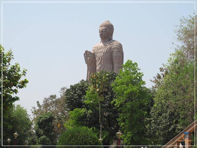 Wat Thai é um templo budista tailandês em Sarnath