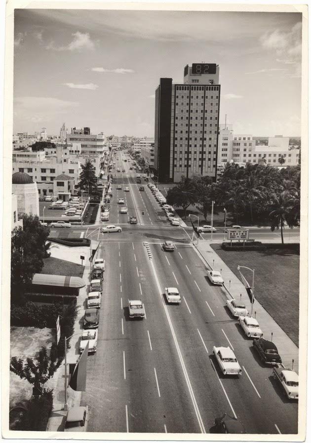 Washington Avenue In Miami Beach