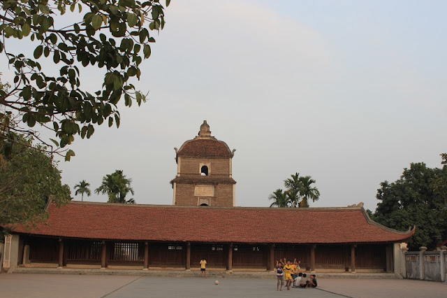 Dau - Vietnam's oldest pagoda 3
