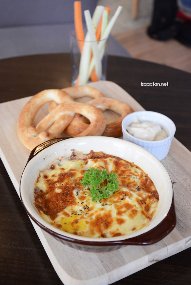 Chicken Con Carne Baked Egg - RM17.90
