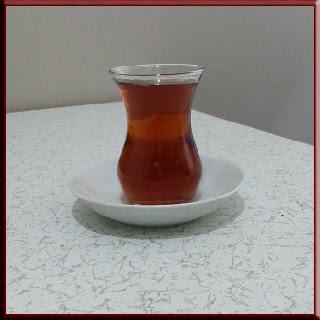 Çay bitkisi çayın faydaları çayın zararları çayın yararları incebelli bardak karadeniz rize çay yaprağı