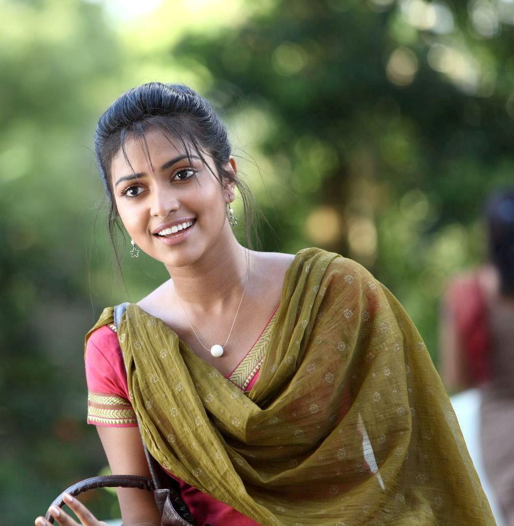 Actress AmalaPaul Latest Images