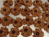 Resep dan Cara Membuat Kue Semprit Chocochip Berbentuk Melati