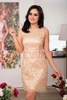Rochie midi crem-roze cu aplicatii aurii brodate • Ade