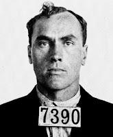 Top 10 Pembunuh Berantai Yang Tewas Saat Menggunakan Nama Samaran