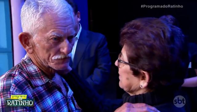 Morador de Olho D'Água do Casado reencontra no programa do Ratinho, irmã que não a via há 25 anos