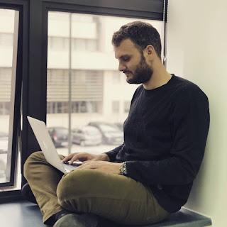 Ciri-Ciri Workaholic Dan Dampak Negatif Workaholic Bagi Kehidupan