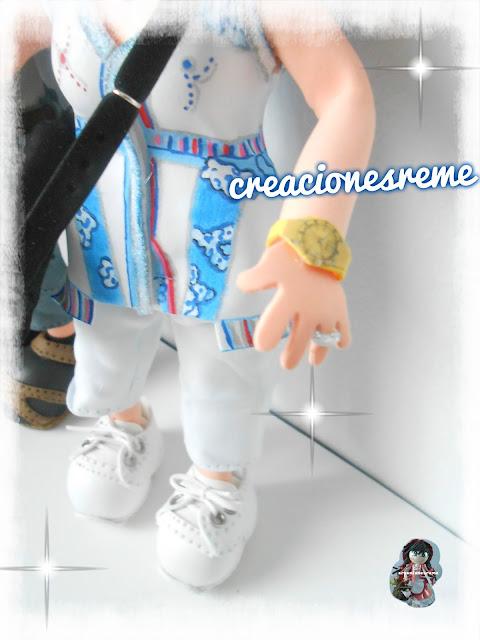 fofucha-creacionesreme-personalizadas-foami –fofucha-gordita-fofucha-vestido –pintado-amano-bolso-fofucha-zapatos-fofuchas