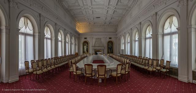 Ливадийский дворец. Интерьеры. Панорама Белого зала