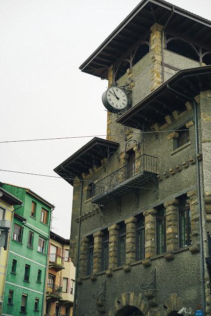 ビルバオ=アチュリ駅( Estación de Bilbao-Atxuri)