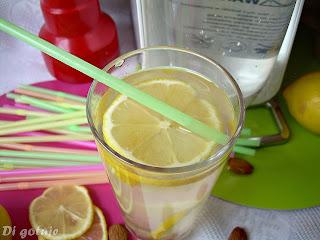 Lemoniada migdałowa