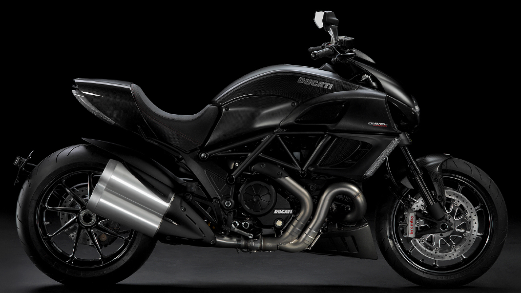 Auto World Ducati Diavel Carbon Red