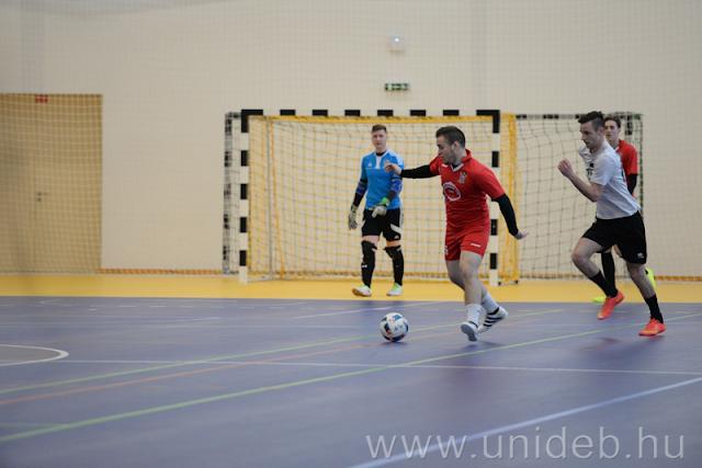Az este utolsó mérkőzését, az egyetemi kupa divízió I-es döntőjében az A-Men FC-Papírvilág és a Made in Italy lépett pályára. A fordulatos, izgalmas pillanatokban is bővelkedő találkozót végül az A-Men FC-Papírvilág csapata nyerte 2-1-re. A harmadik helyet megosztotta egymással a Sinter FC és a Szabolcsi Ragadozók, miután 0-0-ás döntetlent játszottak.