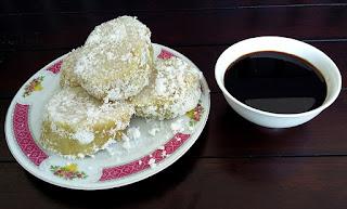 Kue Lupis Betawi