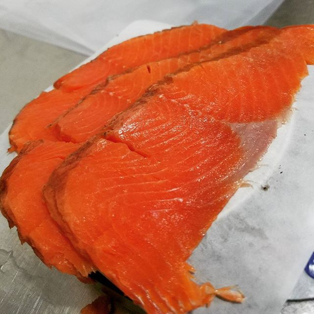 Ikan salmon sebagai pereda rasa nyeri saat haid