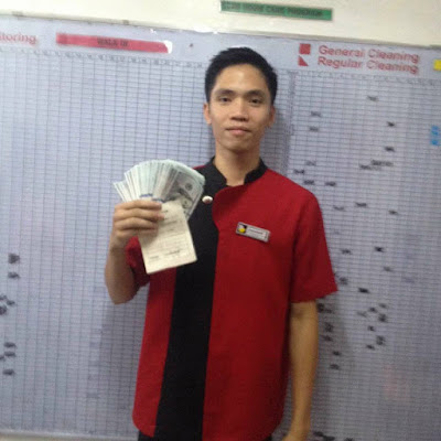 SOGOOD: A SOGO Hotel's Cleaning Staff Member Returned 240,000 Cash and Other Expensive Belongings to an Australian Guest!