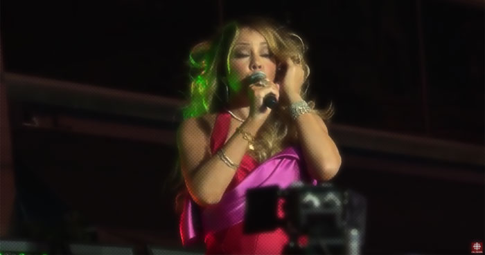 Youtube Mariah Carey Christmas.Diva Devotee Cbc News Shadily Uploads Mariah Carey S Mic