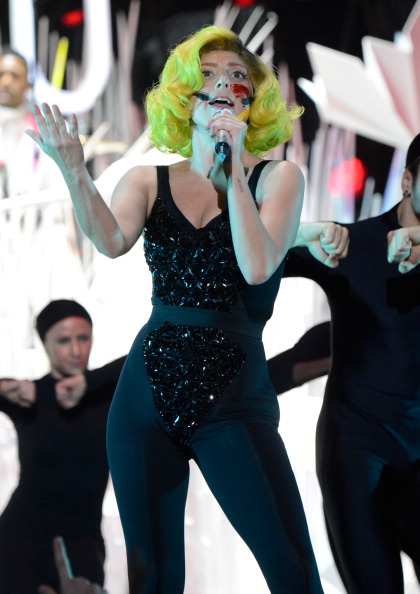 applause live performance