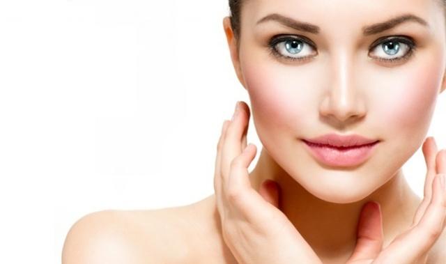 اخبار الصحة - ضرار وضع مستحضرات التجميل اثناء ممارسة النساء الرياضه