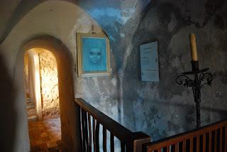 Corridoio e botola castello di Azzurrina - Montebello