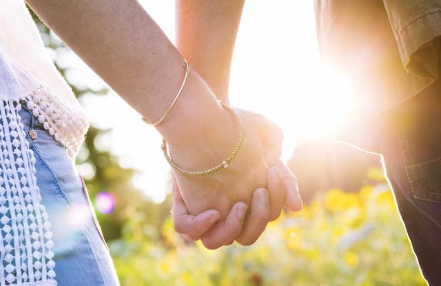 10 طرق لتحسين تواصلك مع شريك حياتك