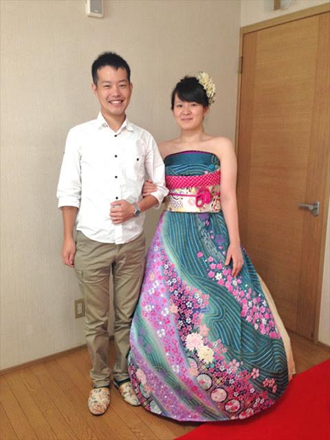 Noivas no Japão estão transformando seus kimonos em deslumbrantes vestidos de noiva