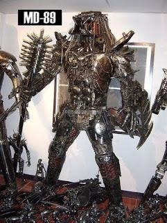 Depredador hecho con acero reciclado